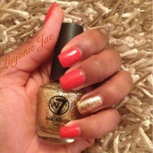 Love my gold glitter polish